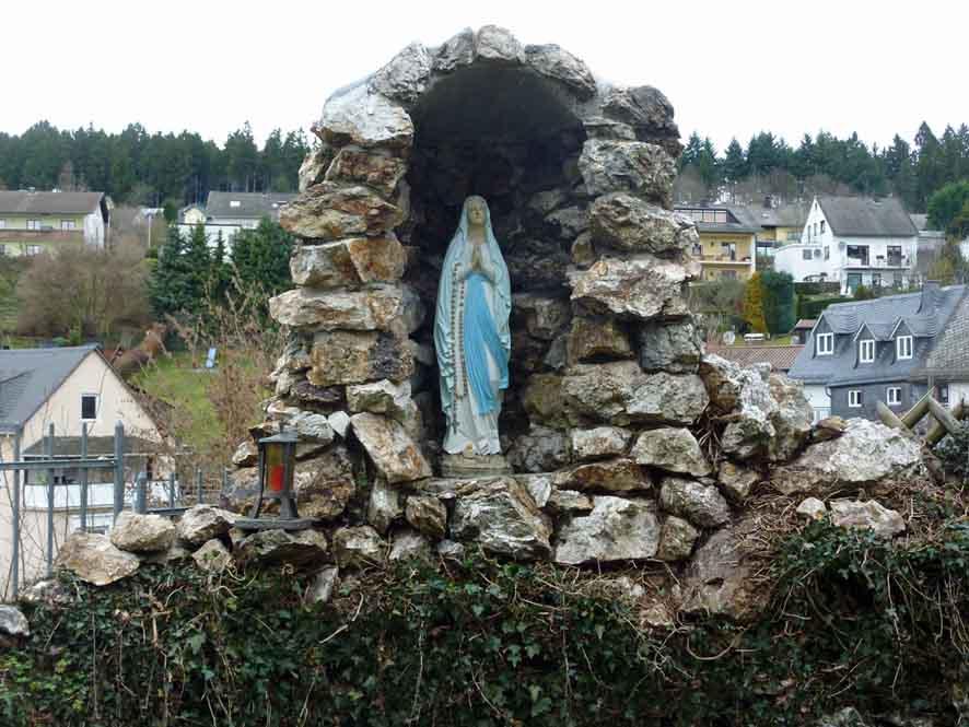 Lourde-Grotte_Winden